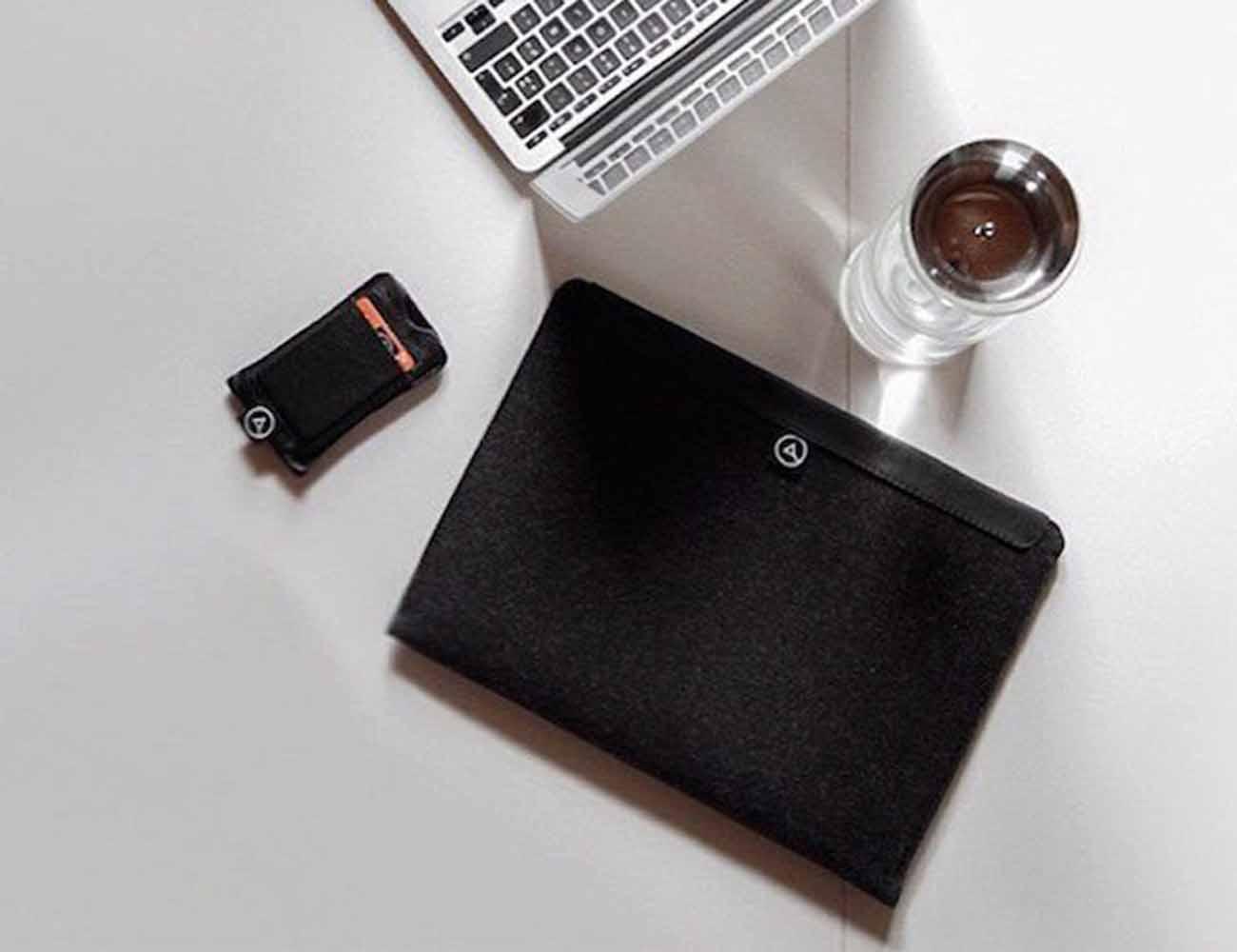 Flow Magnetic MacBook Sleeve by Aecraft