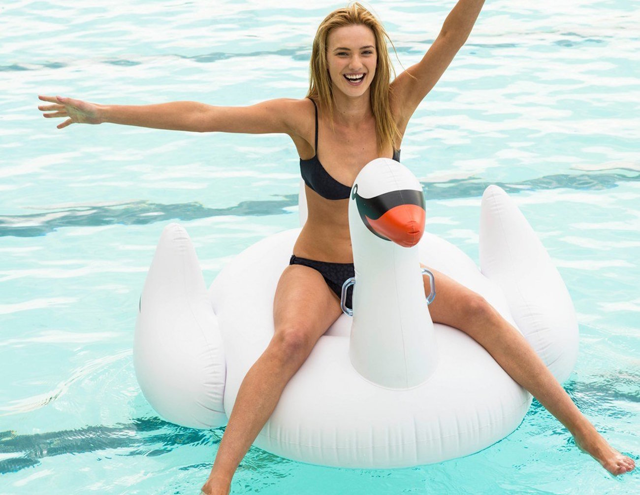 Inflatable+Swan+Pool+Float