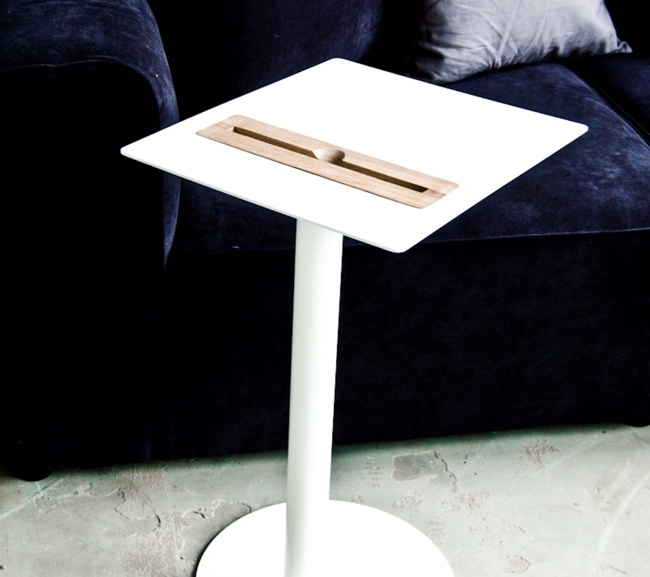 Nomad Tablet Table