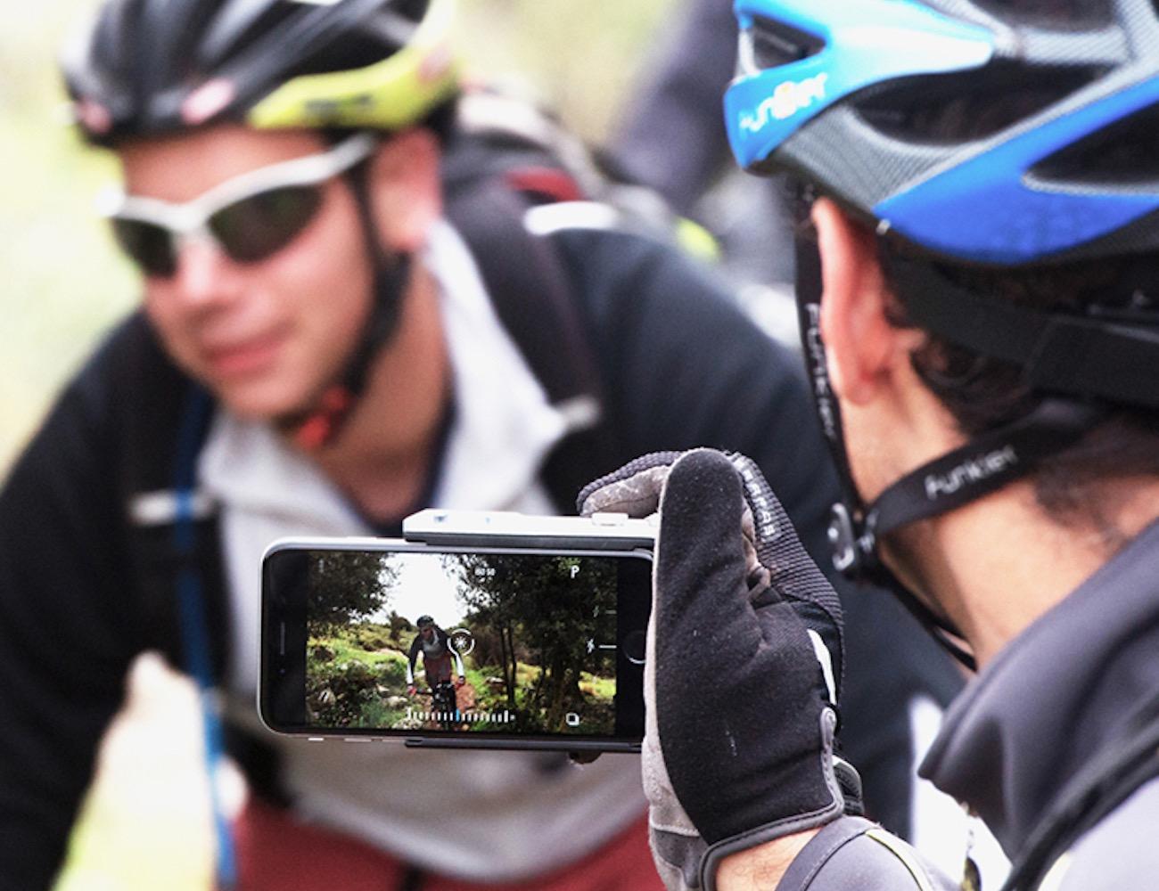 Pictar – Ergonomic iPhone Camera Grip
