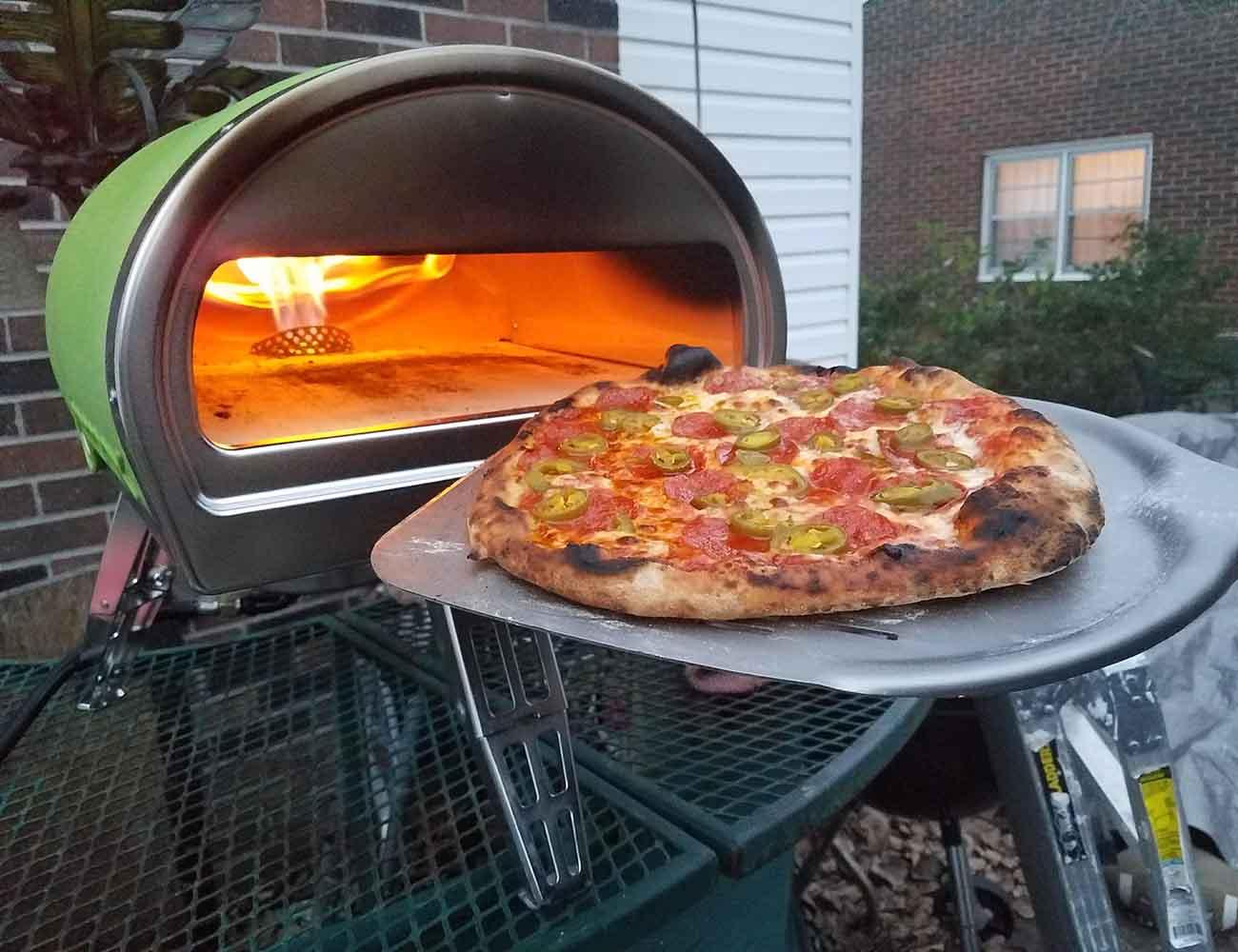 Roccbox the portable stone bake pizza oven gadget flow for Forno per pizza portatile