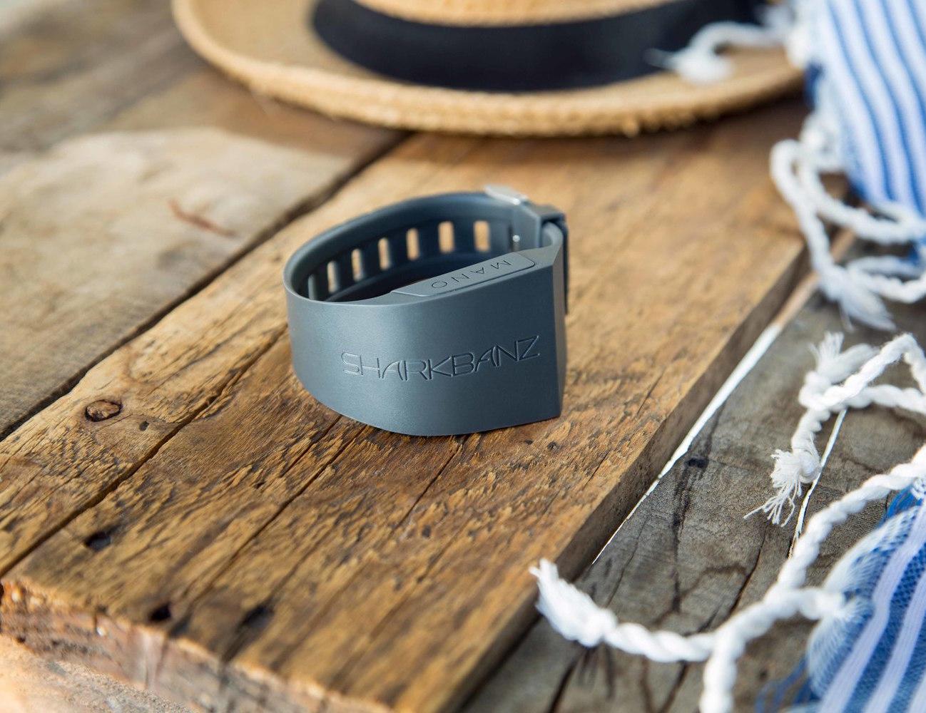 sharkbanz-shark-deterrent-wristband-by-mano-01