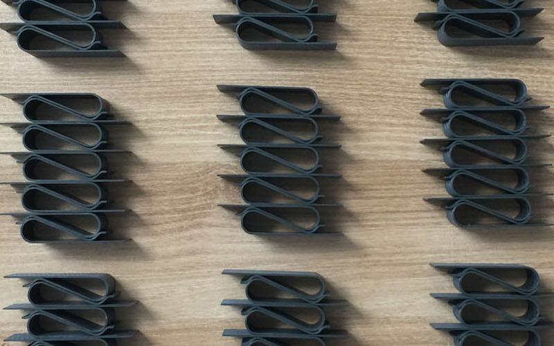 The Cauden – Unique & Minimal Carbon Fiber Leather Moneyclip