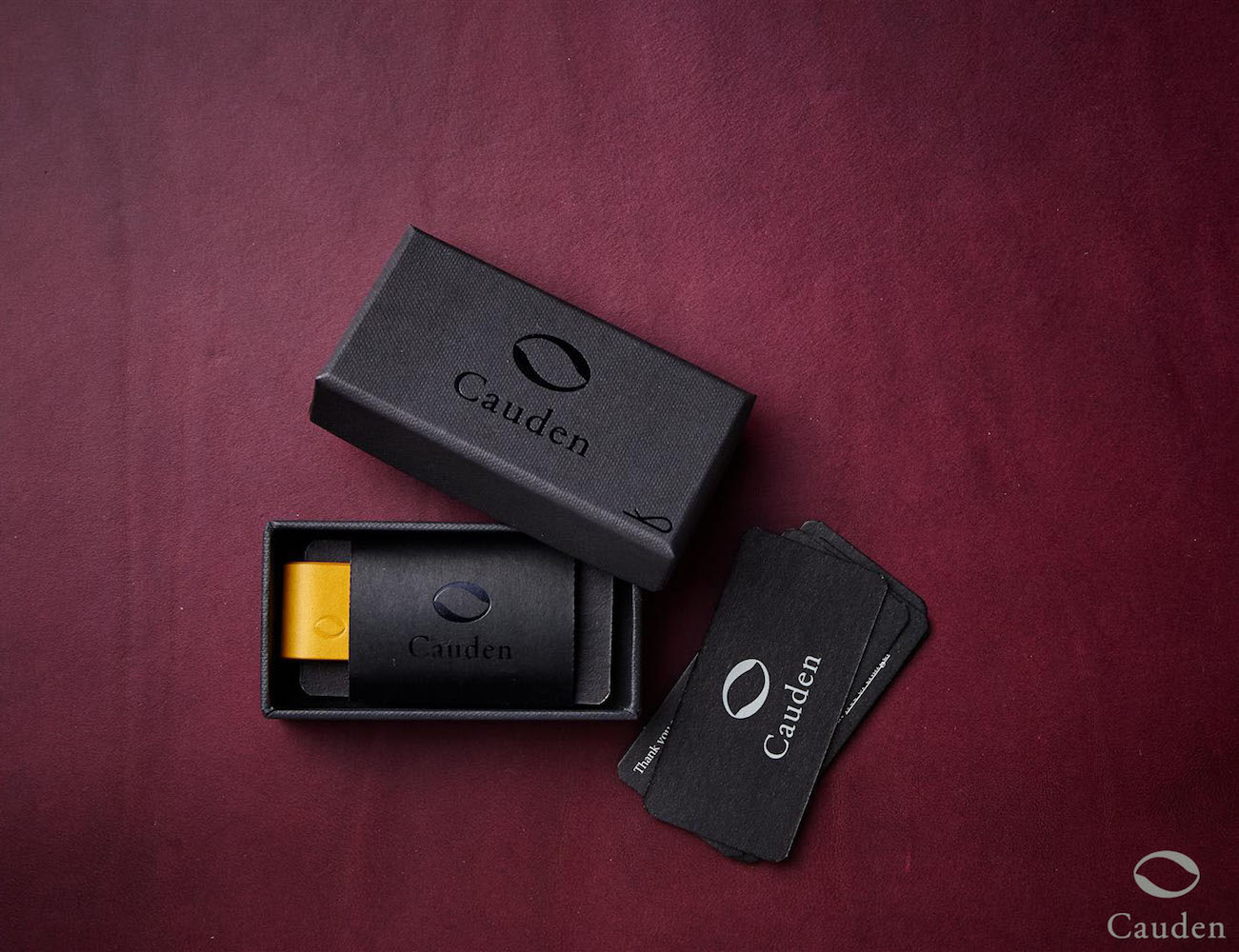 The Cauden – Unique & Minimal Carbon Fiber Leather Moneyclip
