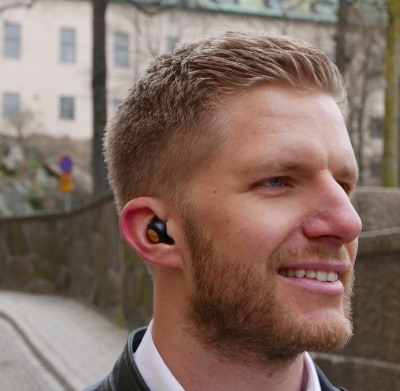 Truu+Earbuds+%26%238211%3B+World%26%238217%3Bs+First+Wirelessly+Charged+Earbuds