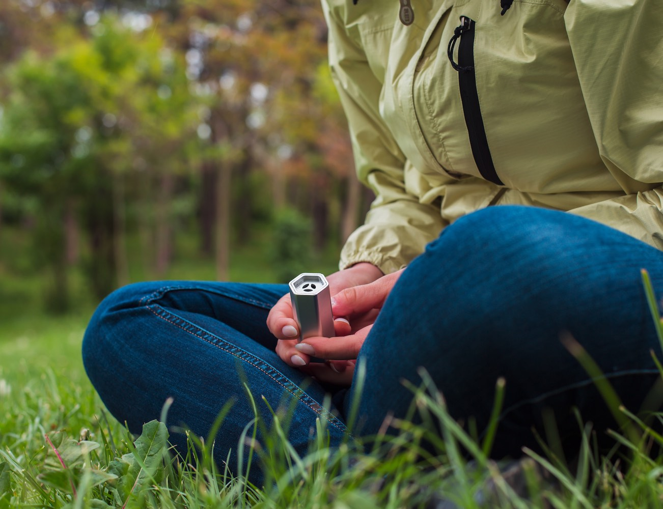 Breathe – The World's Smallest And Most Advanced Wearable Air Purifier