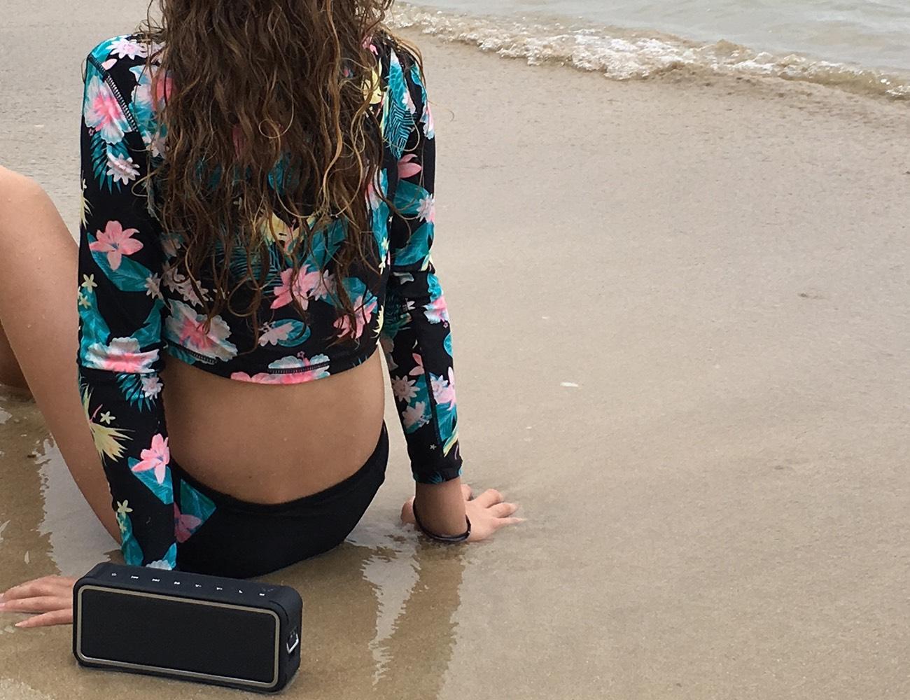 Buoy – Real Waterproof Speaker & 20 Amazing Features