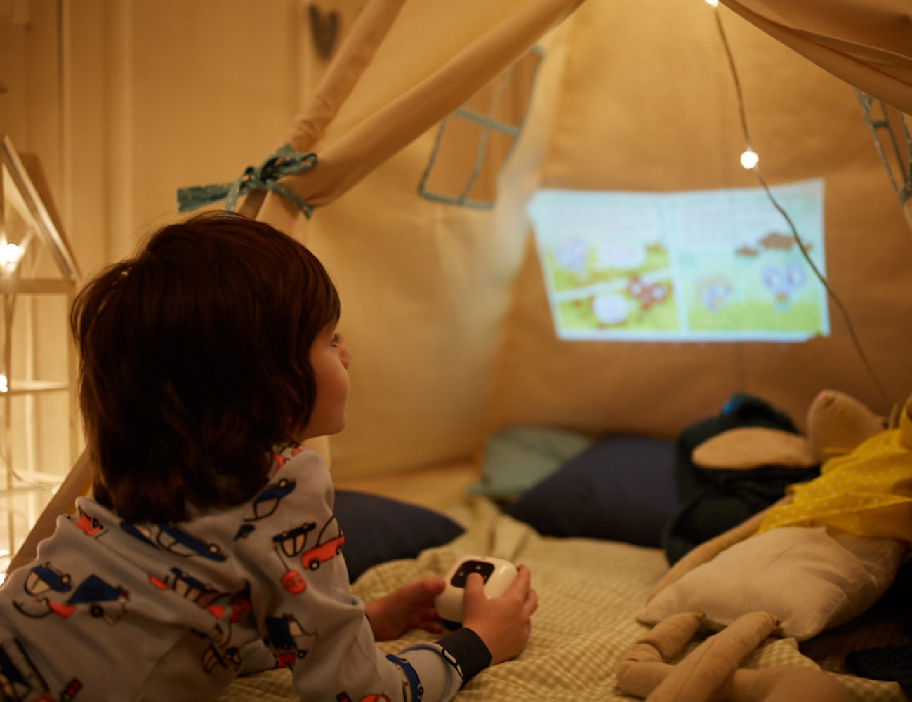 CINEMOOD – First Mini Cinema Projector for Families