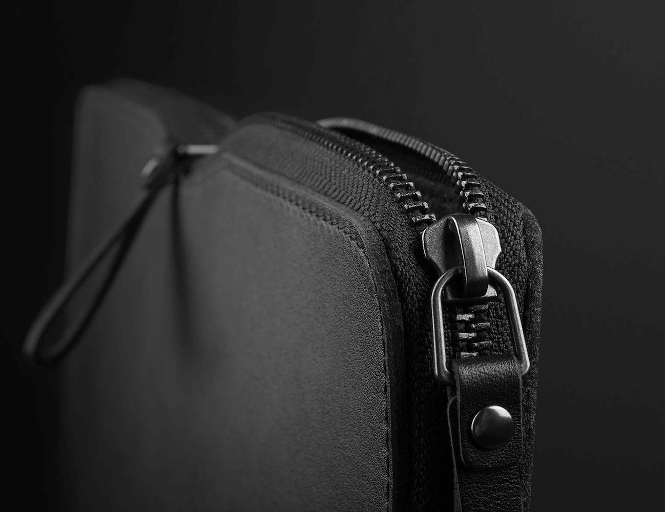 """Carry-On Folio Sleeve for 12"""" MacBook by Mujjo loading="""