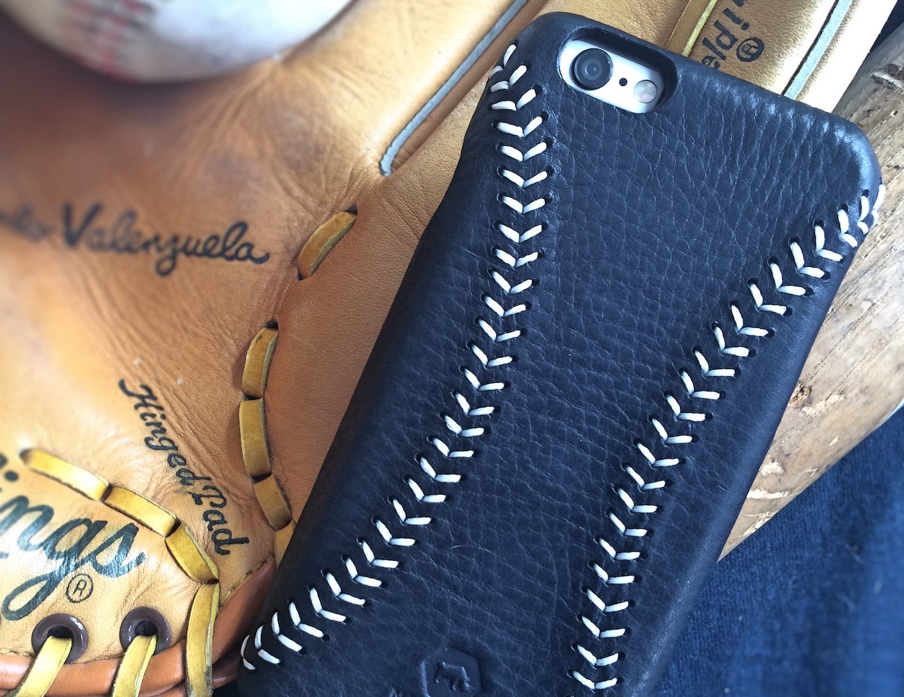 Mad Rhino Leather Baseball Case for iPhone 6/6S