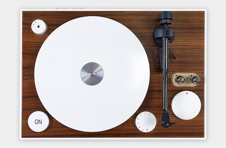 ON Plug and Play Turntable by G. Pinto