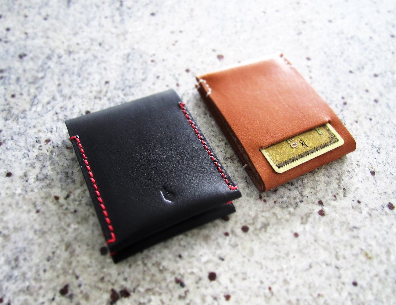 PAALM+Minimalist+Wallet+%26%238211%3B+Available+In+Caramel+And+Dark+Berry+Color
