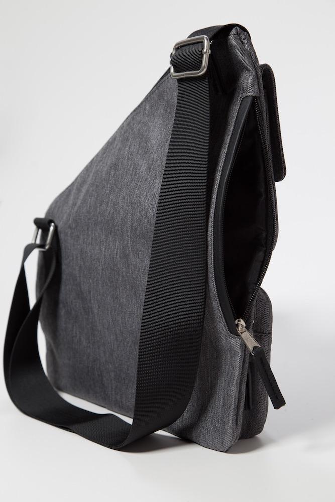 Metro Signature Crossbody Bag Rfid Credit Card Sleeve And Durable Strap