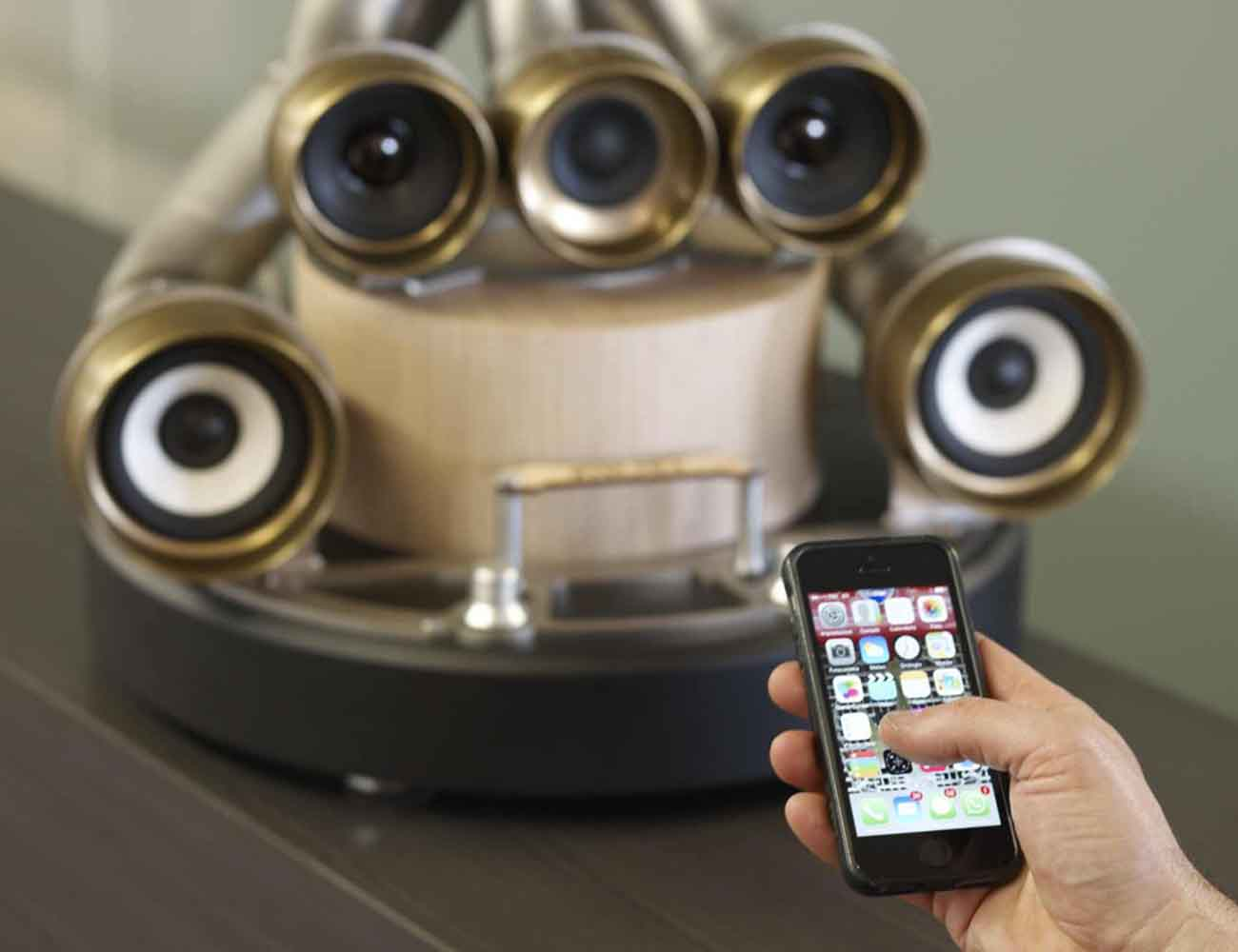 XiLO 5.1 Wireless Audio System by iXOOST