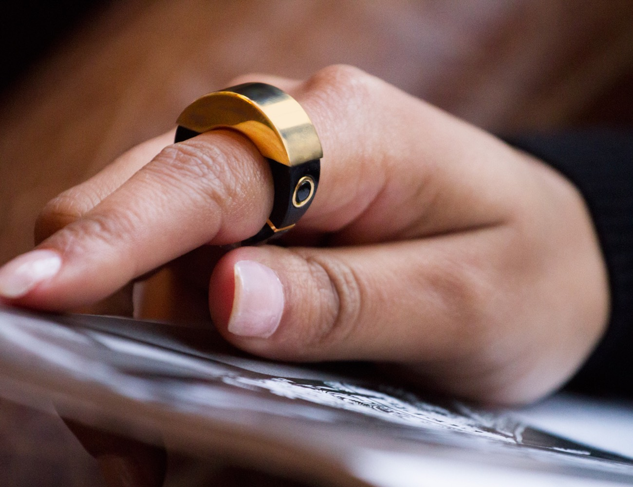 mBand – The Wearable Security Ring