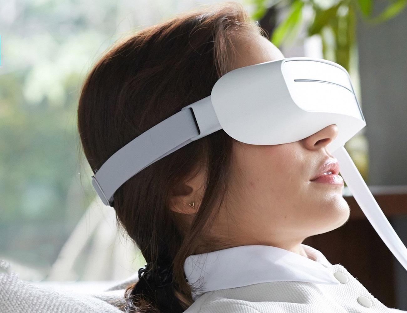 Aurai Water-Propelled Eye Massager