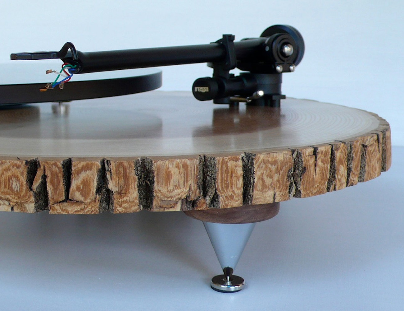 Barky Turntable by Audiowood
