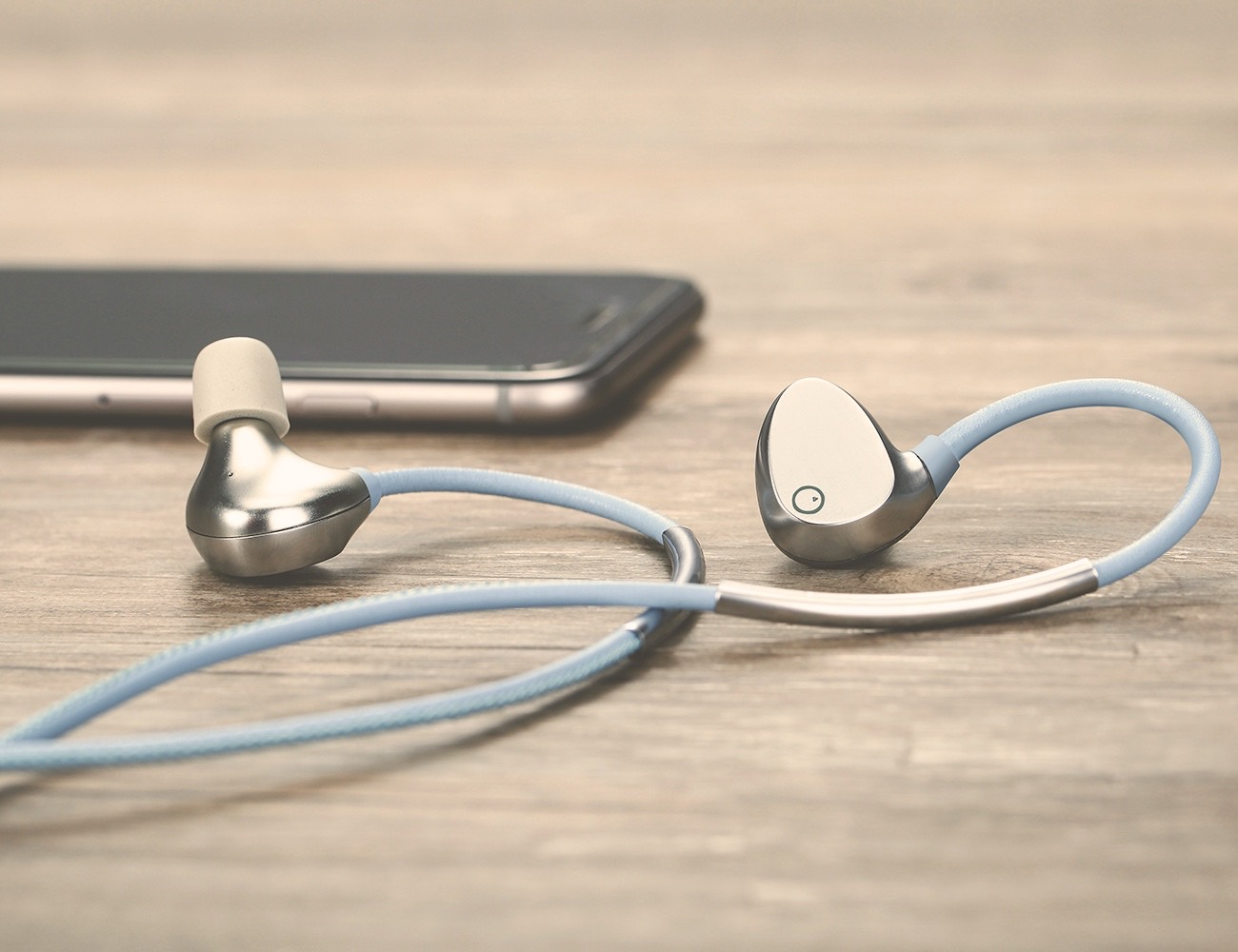 EOZ One – The Most Stylish Bluetooth Earphones. Ever.
