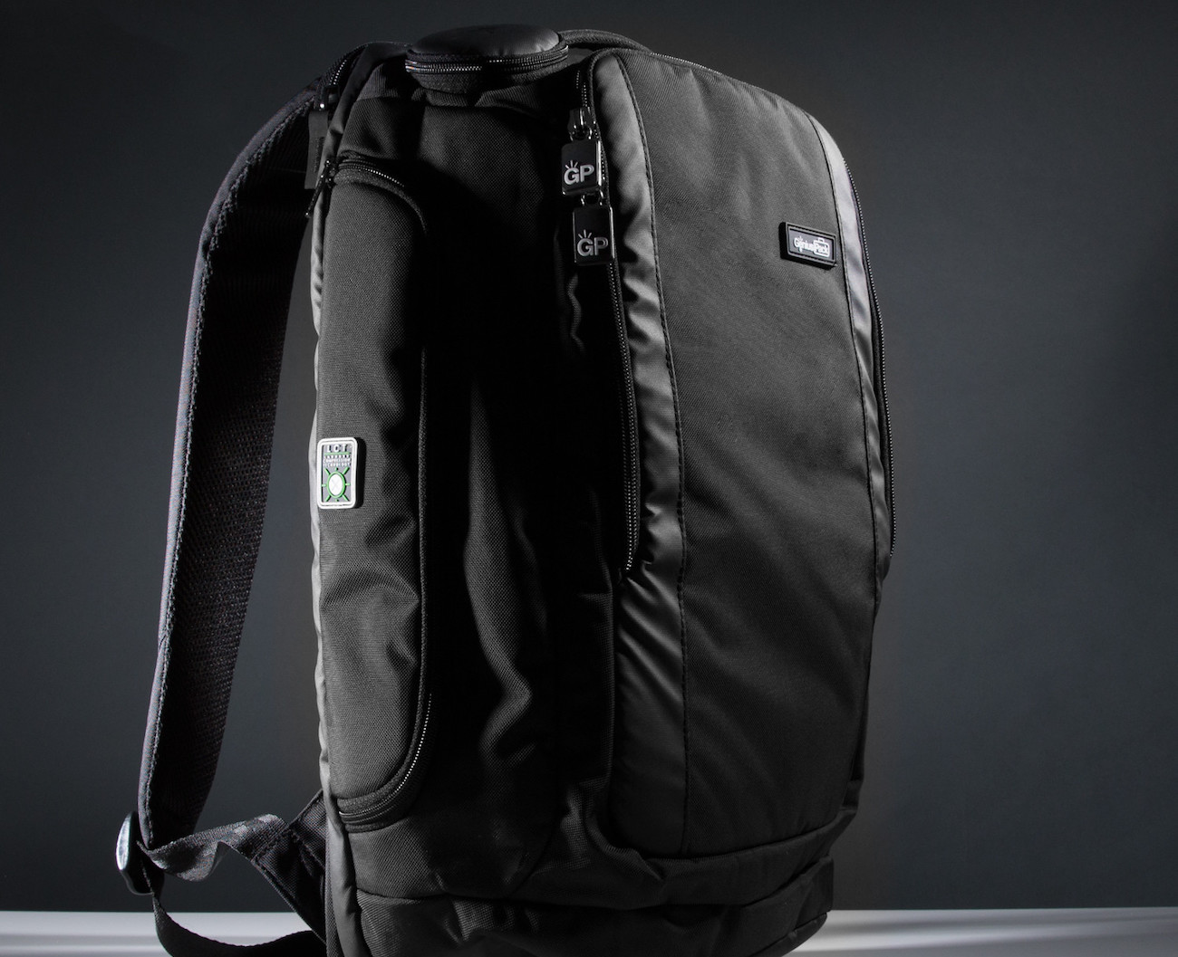 Genius+Pack+Travel+Backpack+W%2F+Integrated+Suiter