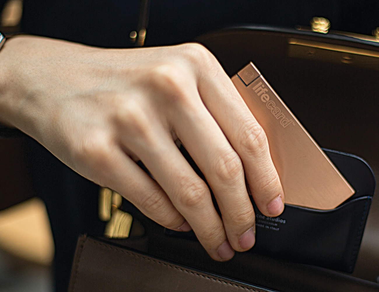 LifeCard – World's Thinnest Most Compact Powerbank