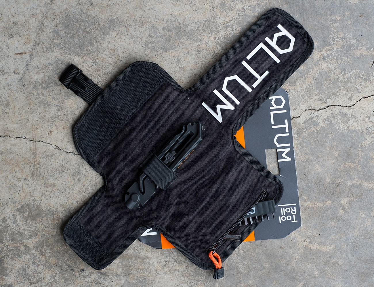 MODUAL – Bicycle Multi-Tool and Tool Roll