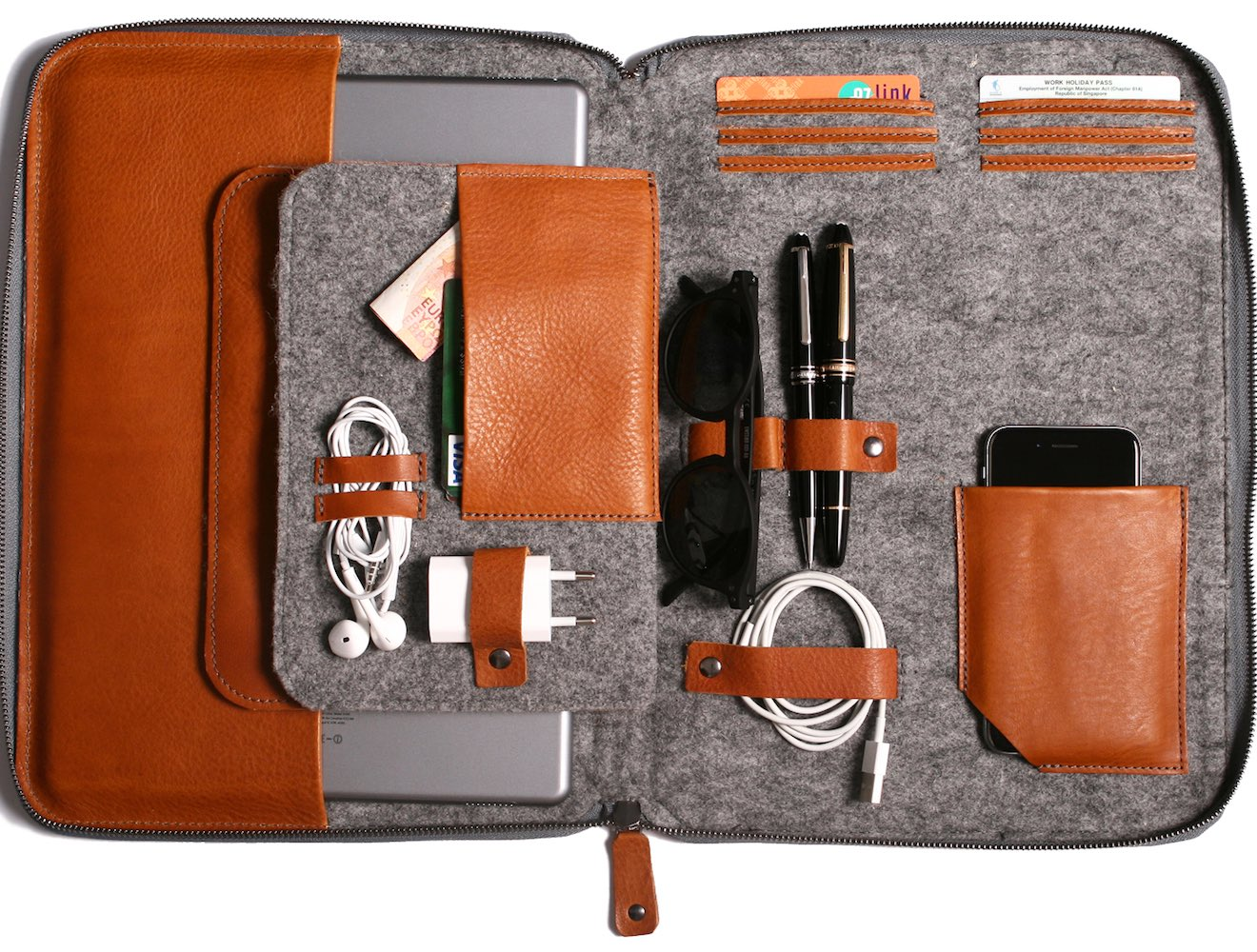 BYRON – The First 2 in 1 Leather Carryall