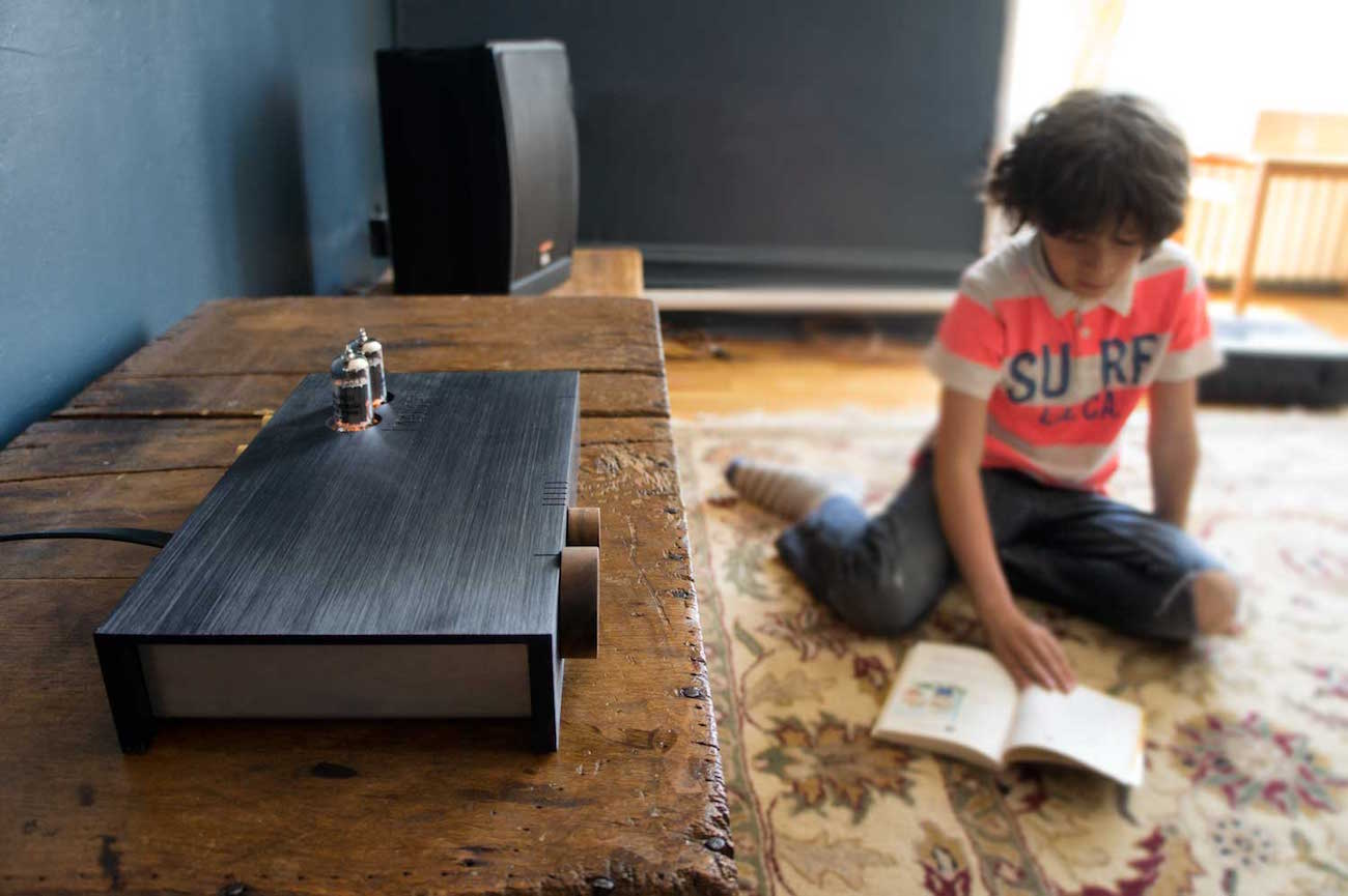Billie Amp Bluetooth Stereo Speaker