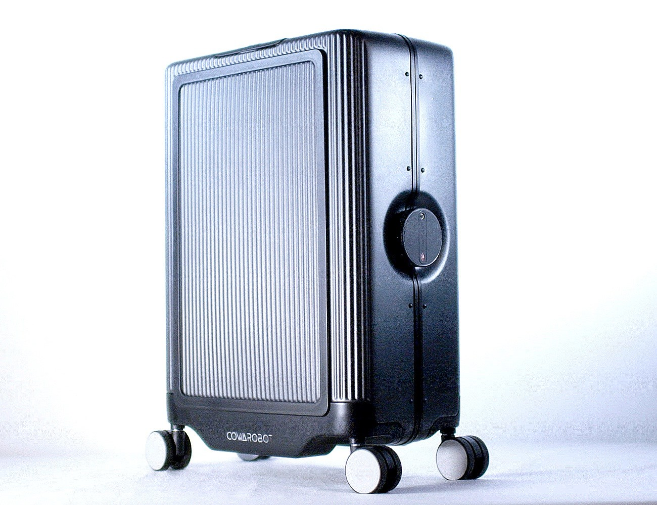 Auto-Follow Suitcase Makes Your Travel Easier – COWAROBOT R1