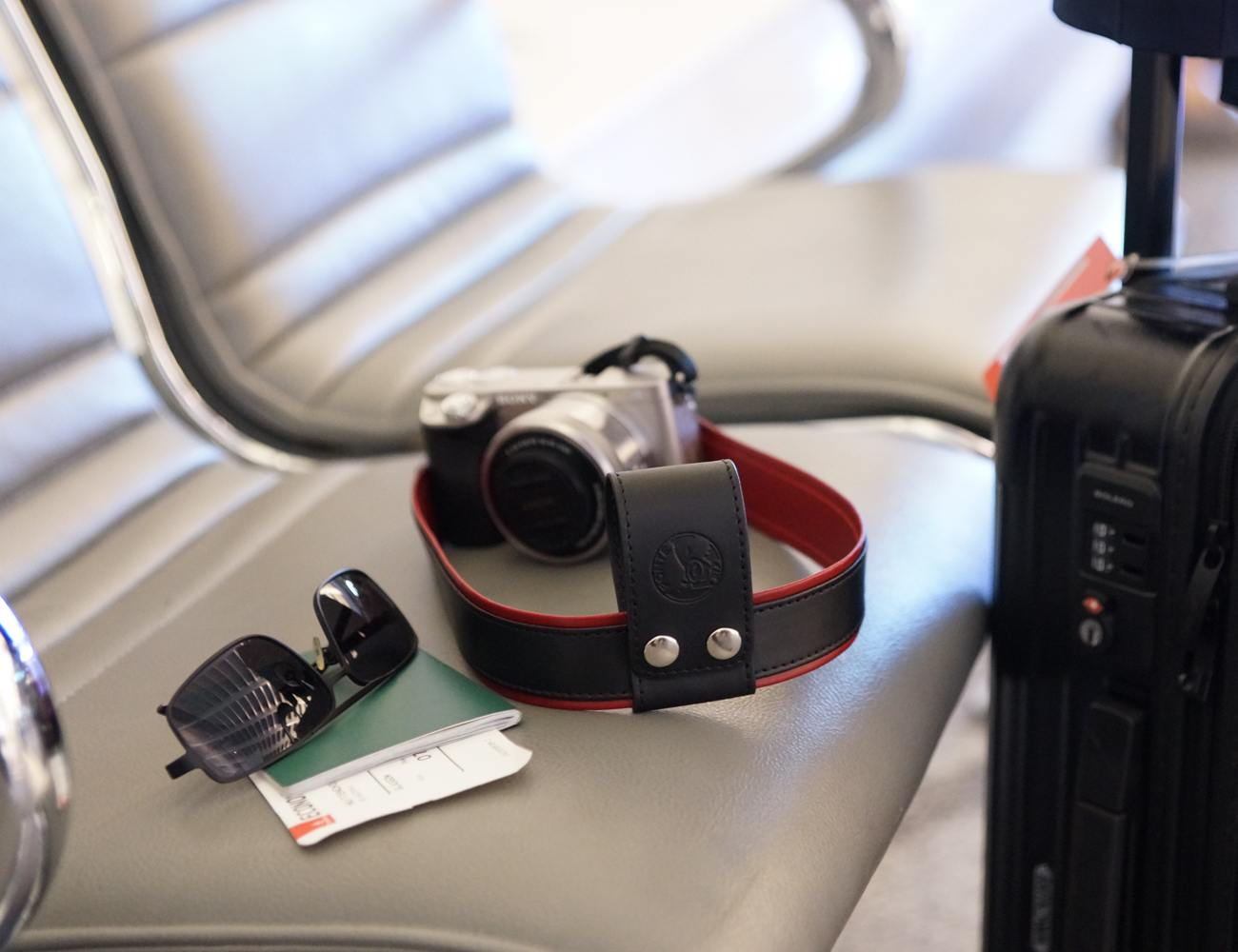 Camera Lift-Strap – A Revolution For Traveling Photographers