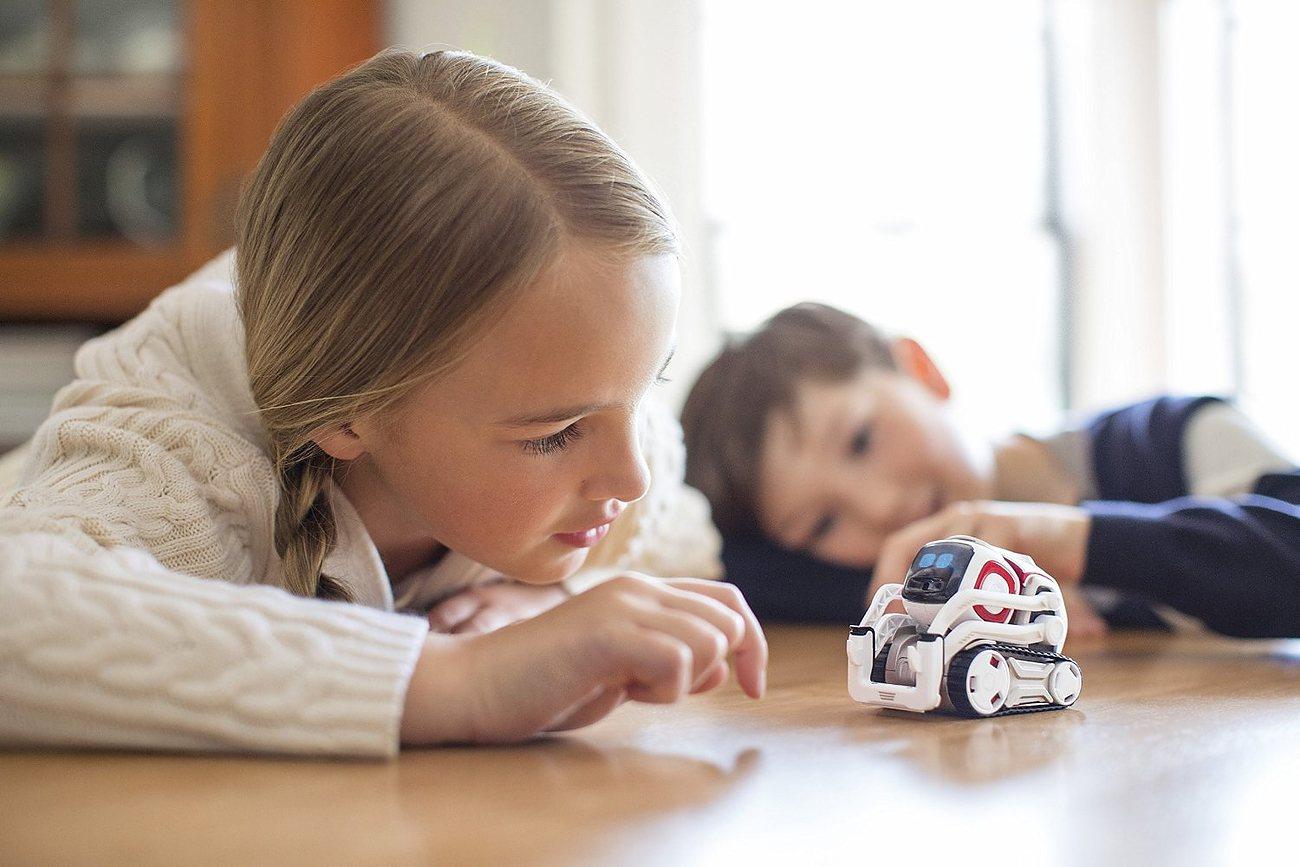Cozmo Real-Life Evolving Robot