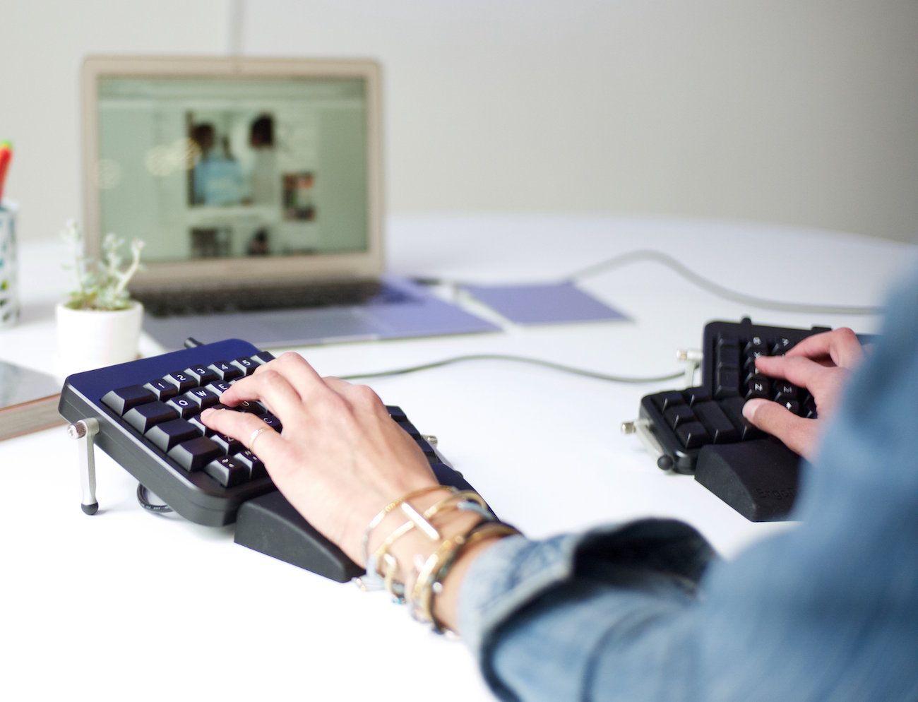 ErgoDox EZ Ergonomic Mechanical Keyboard