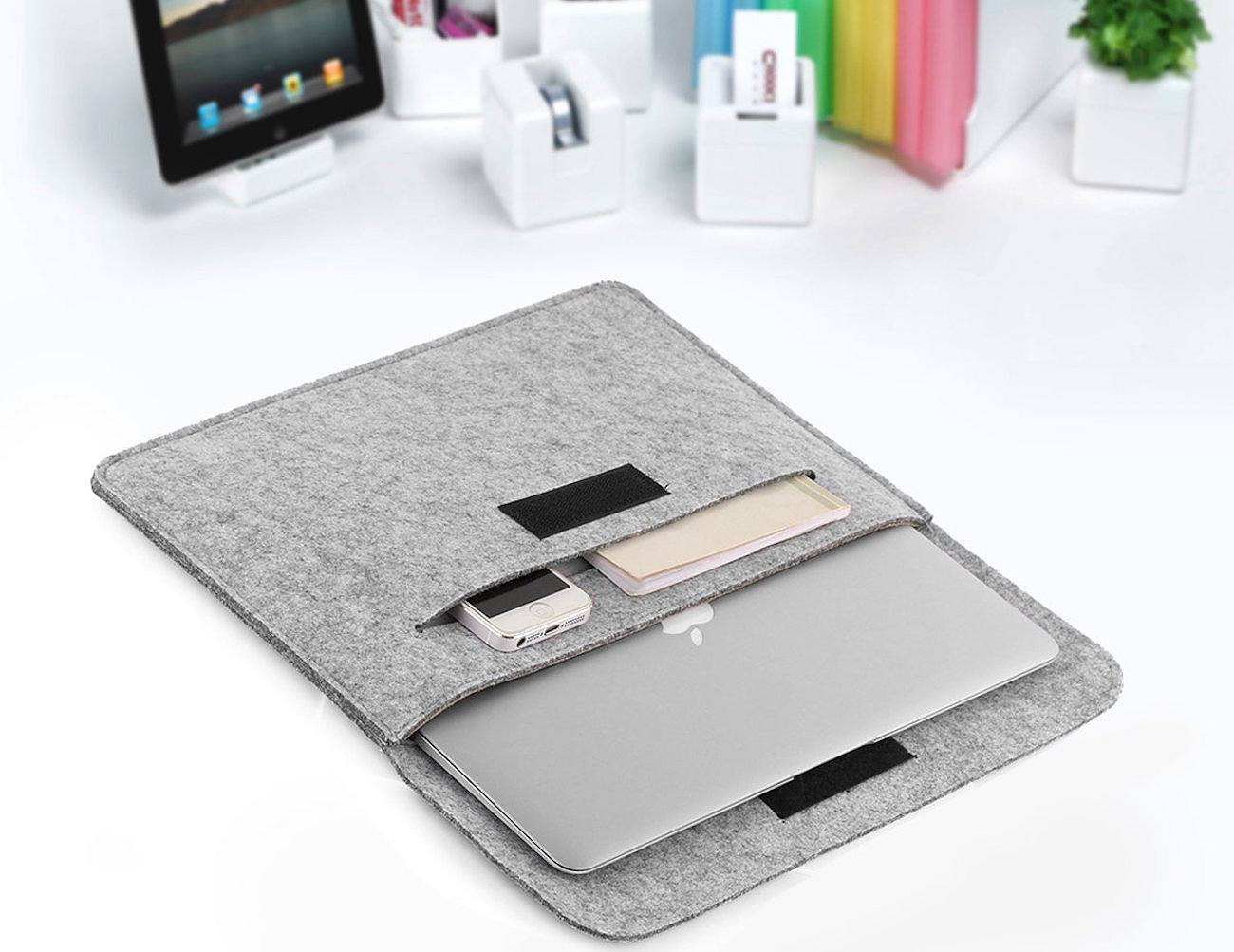 Felt Carrying Sleeve for MacBook by OURAI