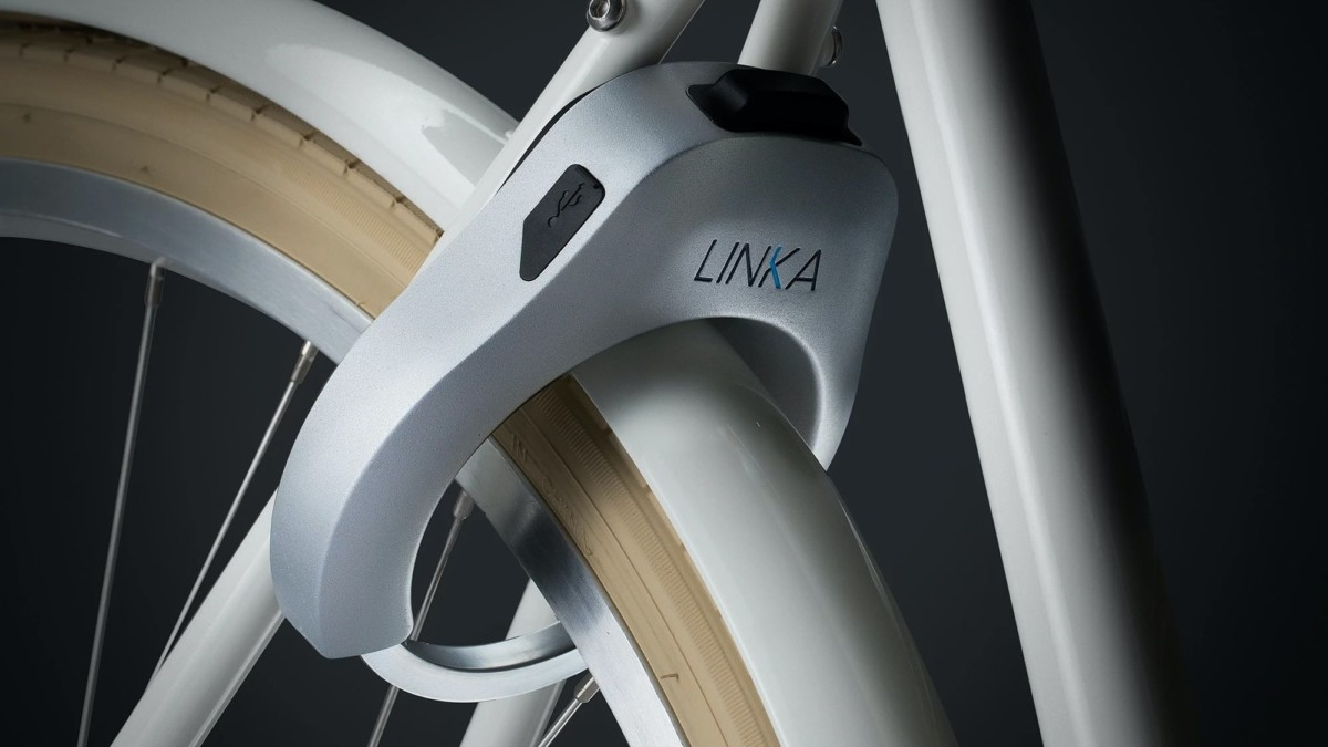 LINKA Auto-Unlocking Smart Bike Lock has a built-in siren to protect from theft
