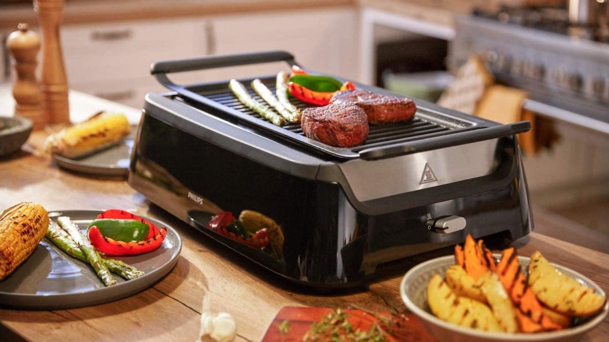Philips Smoke-less Grill with Rotisserie Attachment Indoor BBQ reduces splashes and spatters