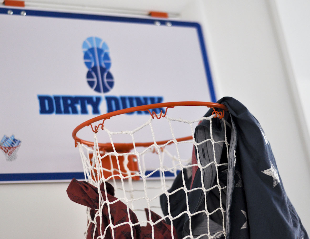 The dirty dunk the original over the door basketball hoop laundry hamper review the gadget flow - Basketball hoop laundry hamper ...