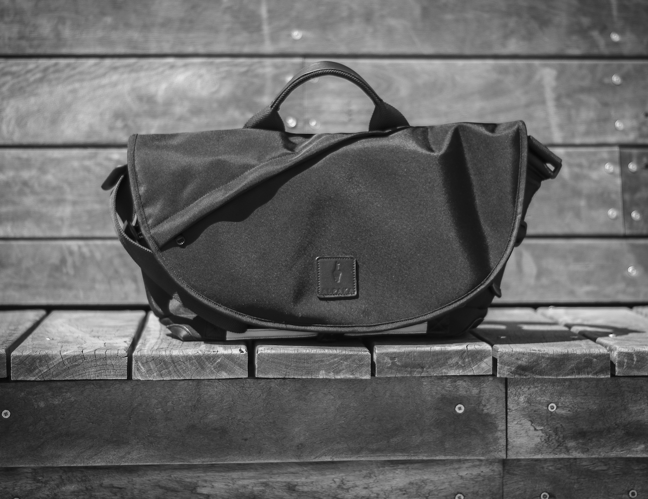 7ven Messenger – The Only Bag You Need