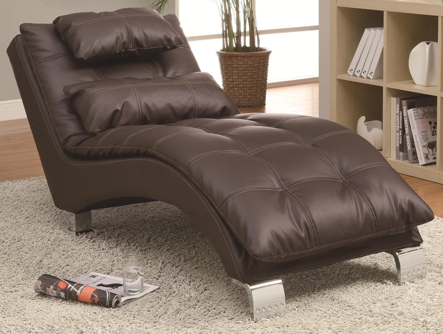 Contemporary Leatherette Chaise Logue Chair