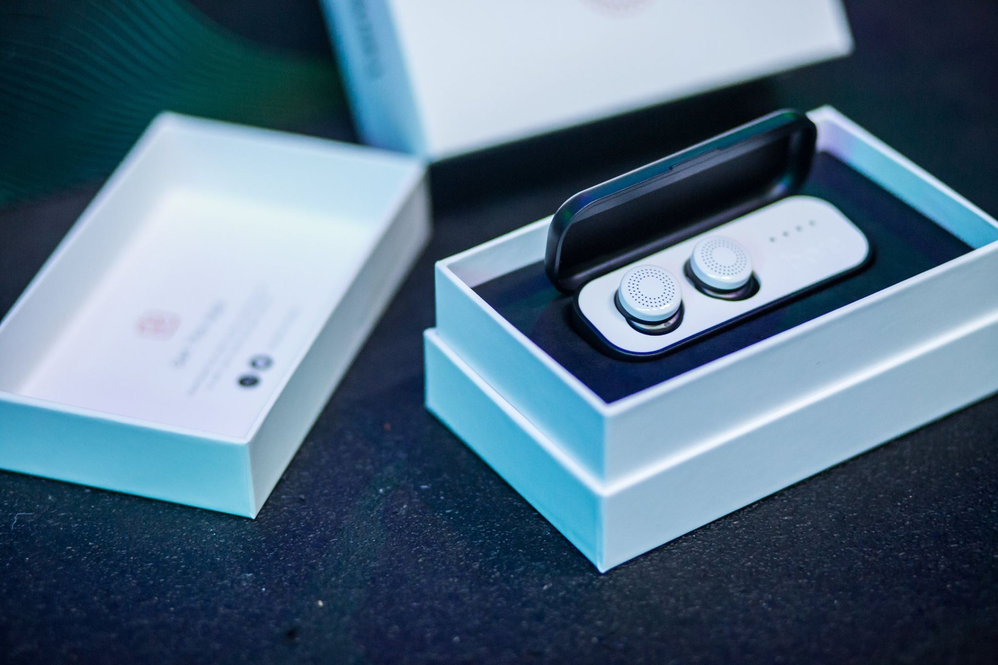Here One Wireless Earbuds by Doppler Labs