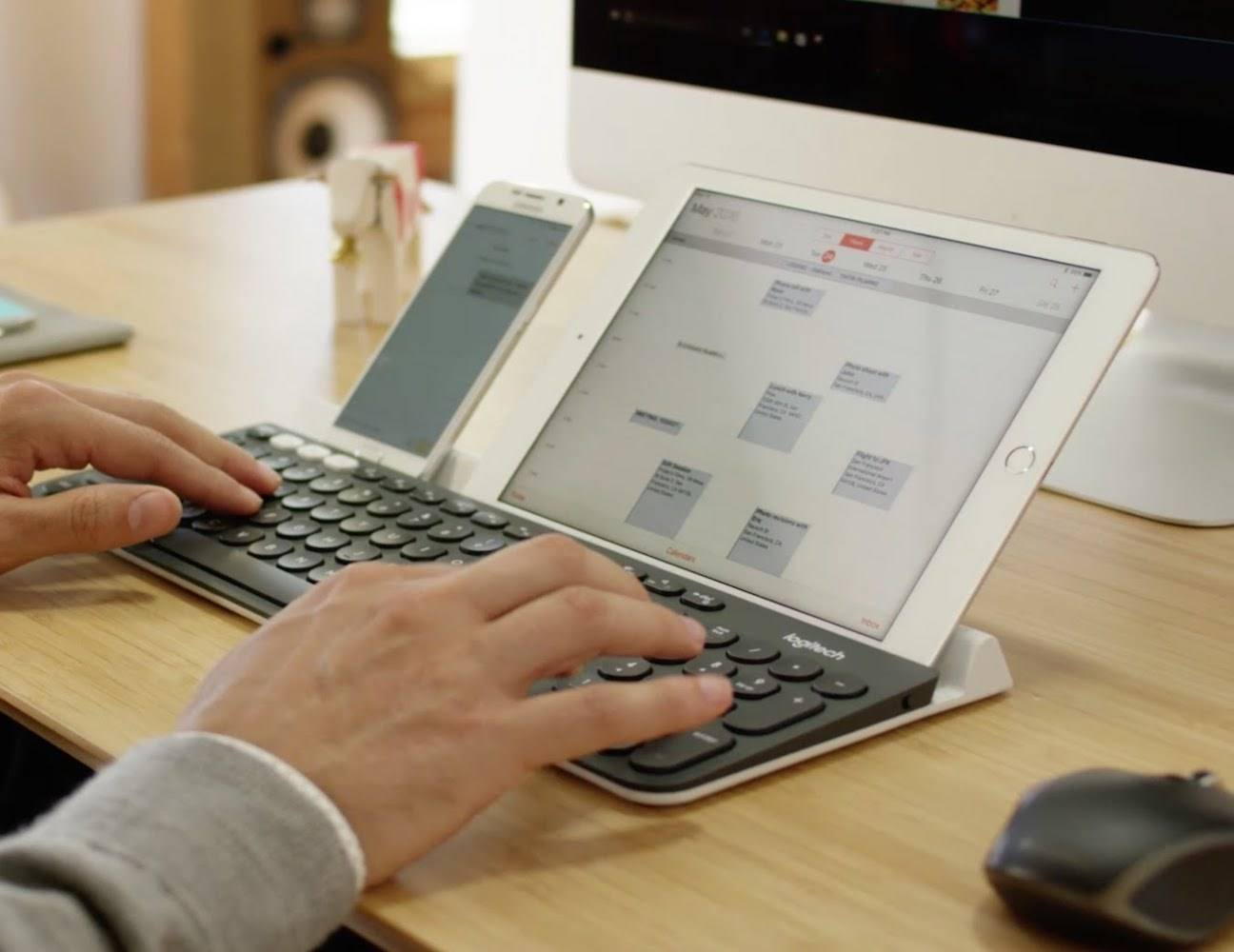 logitech k780 multi device wireless keyboard gadget flow. Black Bedroom Furniture Sets. Home Design Ideas
