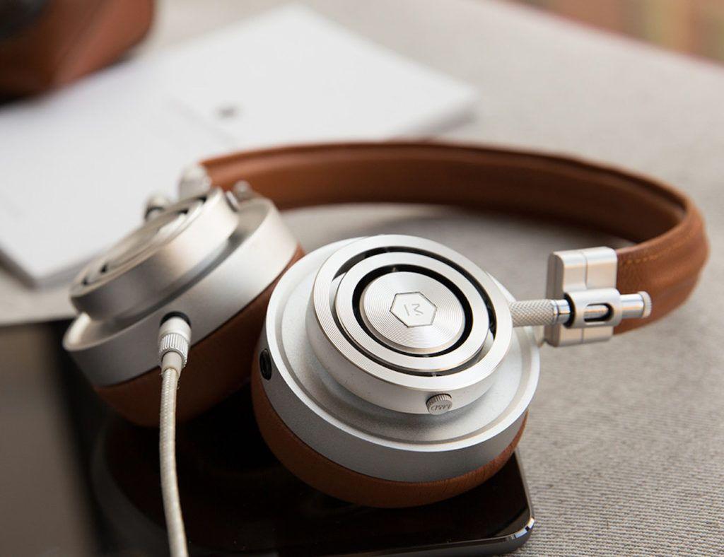 Master+%26%23038%3B+Dynamic+MH30+On-Ear+Headphones
