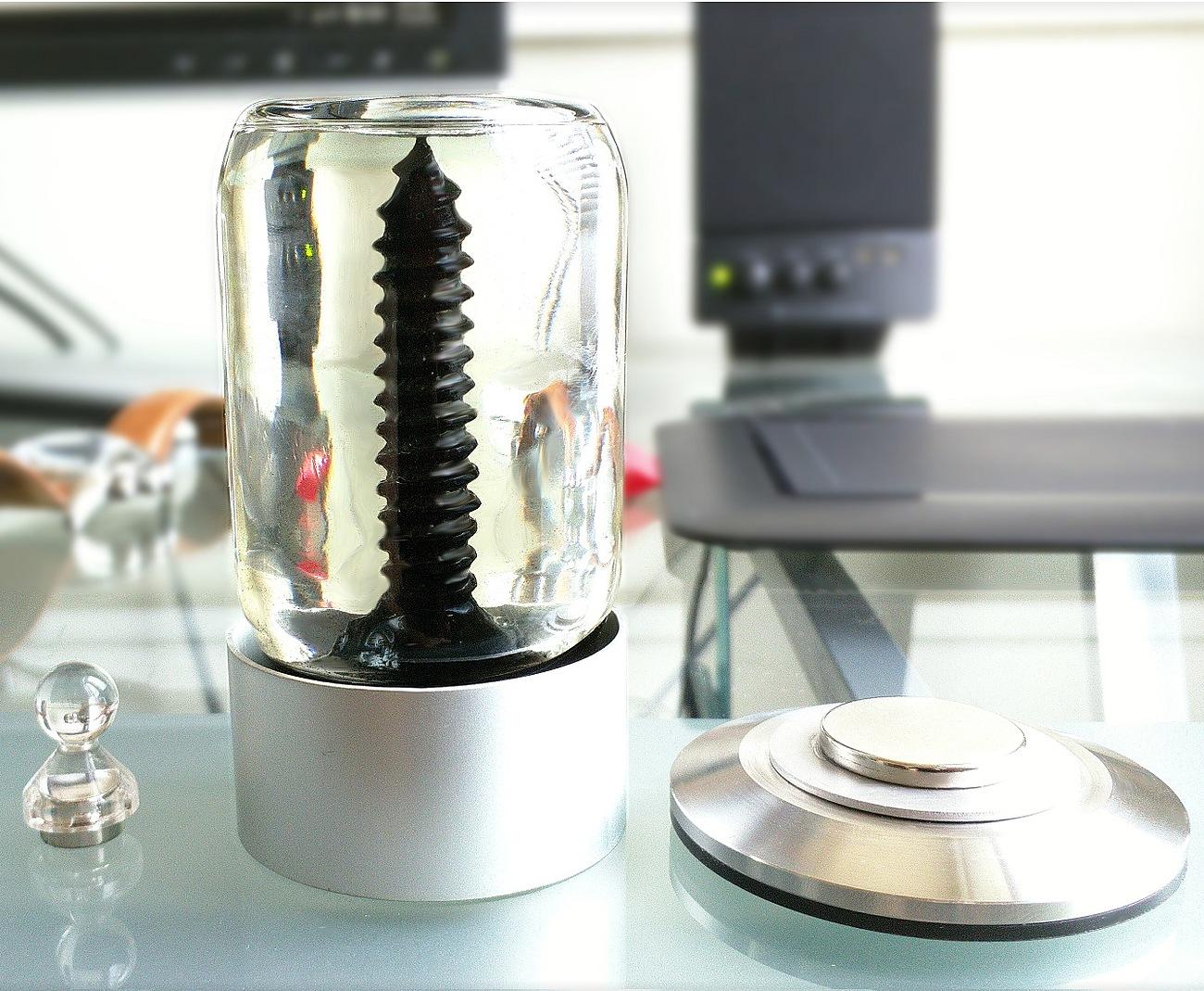 RIZE – Spinning Ferrofluid Display