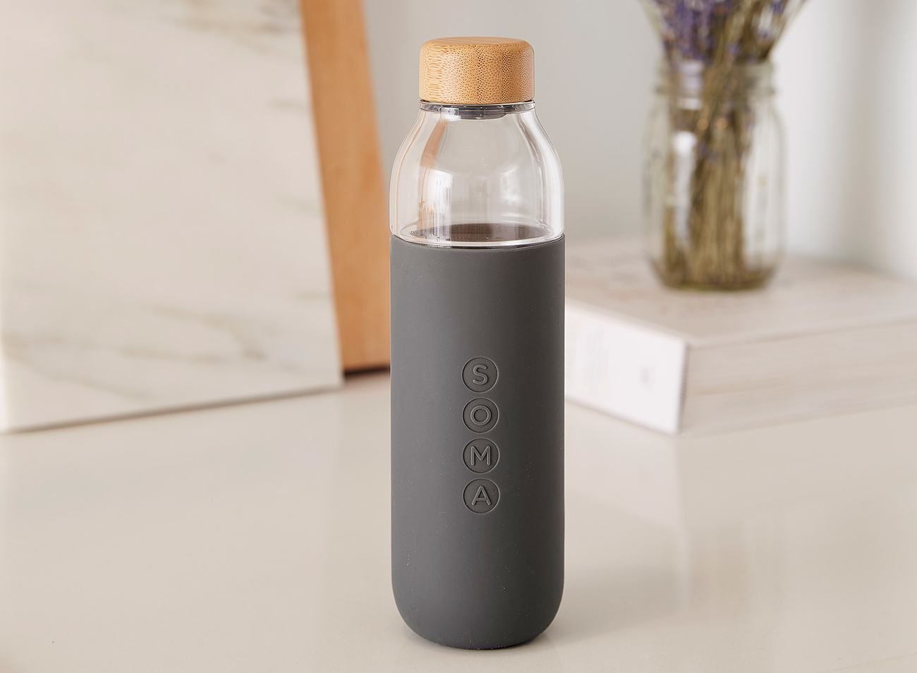 soma glass water bottle review the gadget flow. Black Bedroom Furniture Sets. Home Design Ideas