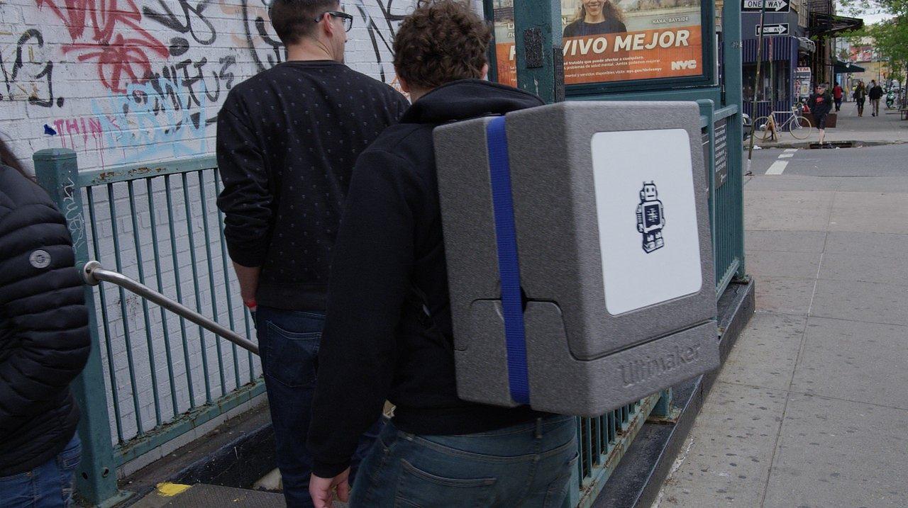 ultimaker 2 go 3d printer backpack gadget flow. Black Bedroom Furniture Sets. Home Design Ideas