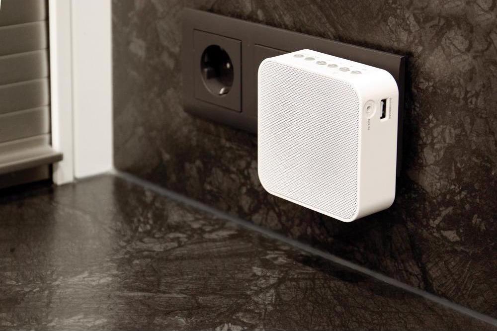 AudioAffairs Bluetooth Plug Radio