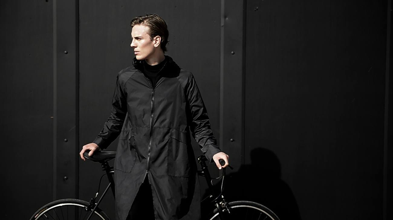 Cyclist Raincoat – Your Urban Lifestyle Essential