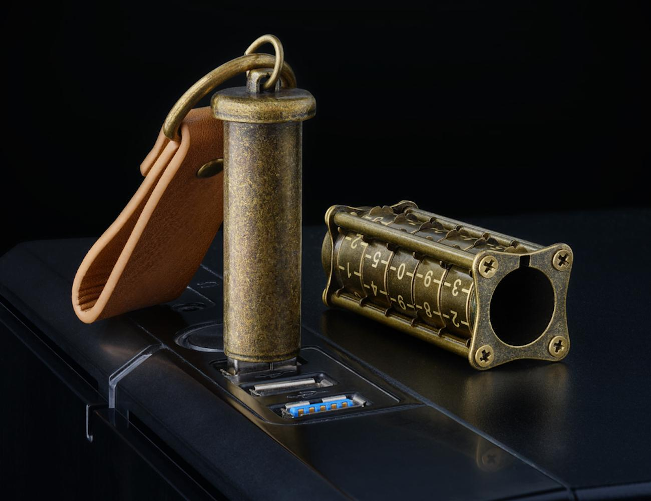 Cryptex+Antique+Gold+32+GB+USB+Flash+Drive