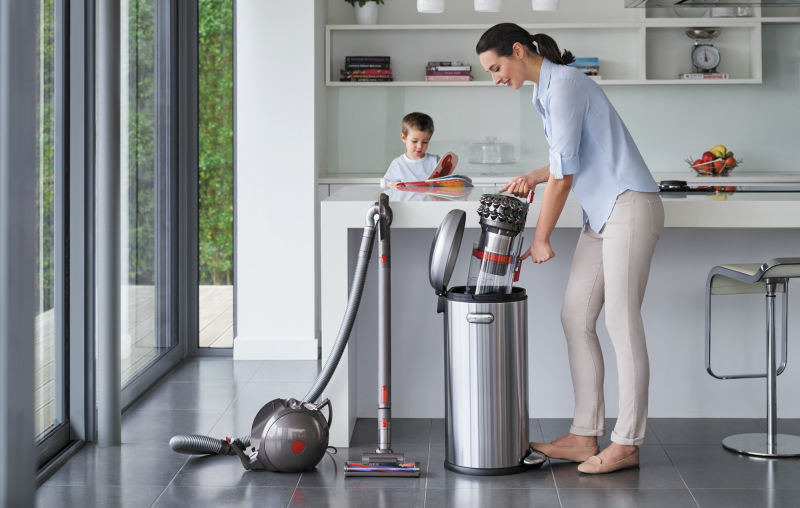 Dyson Cinetic Big Ball Canister Vacuum 01