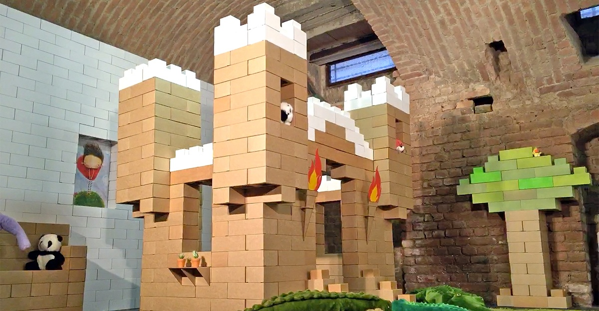 Edo – The Giant Cardboard Bricks For Building Anything