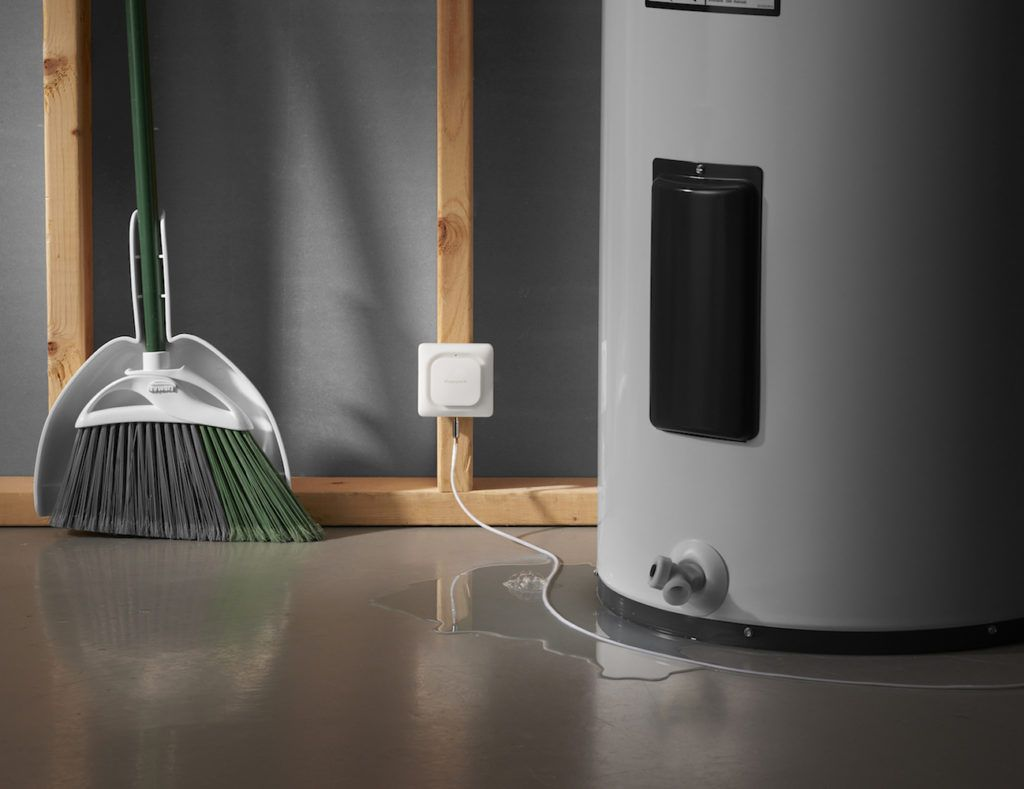 Lyric+Water+Leak+and+Freeze+Detector+by+Honeywell