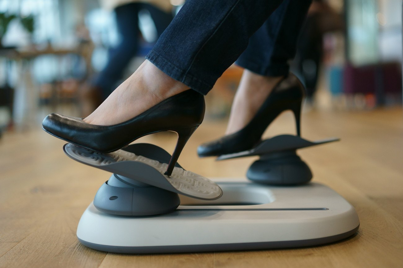 Officiser – An Active Footrest That Will Change Your Life